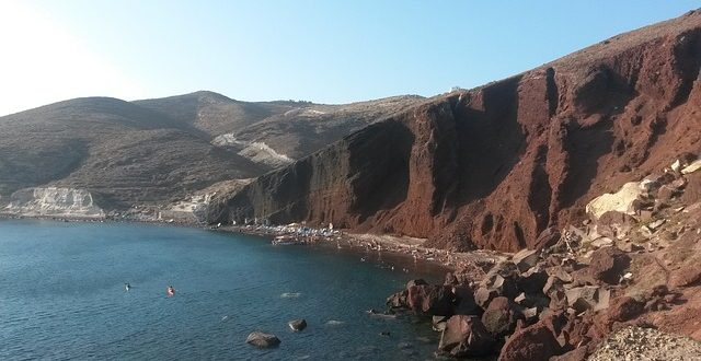 red beach spiagge santorini